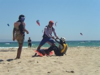Details kitesurfing water start exercises with Tarifa Max Kitesurfing IKO instructor